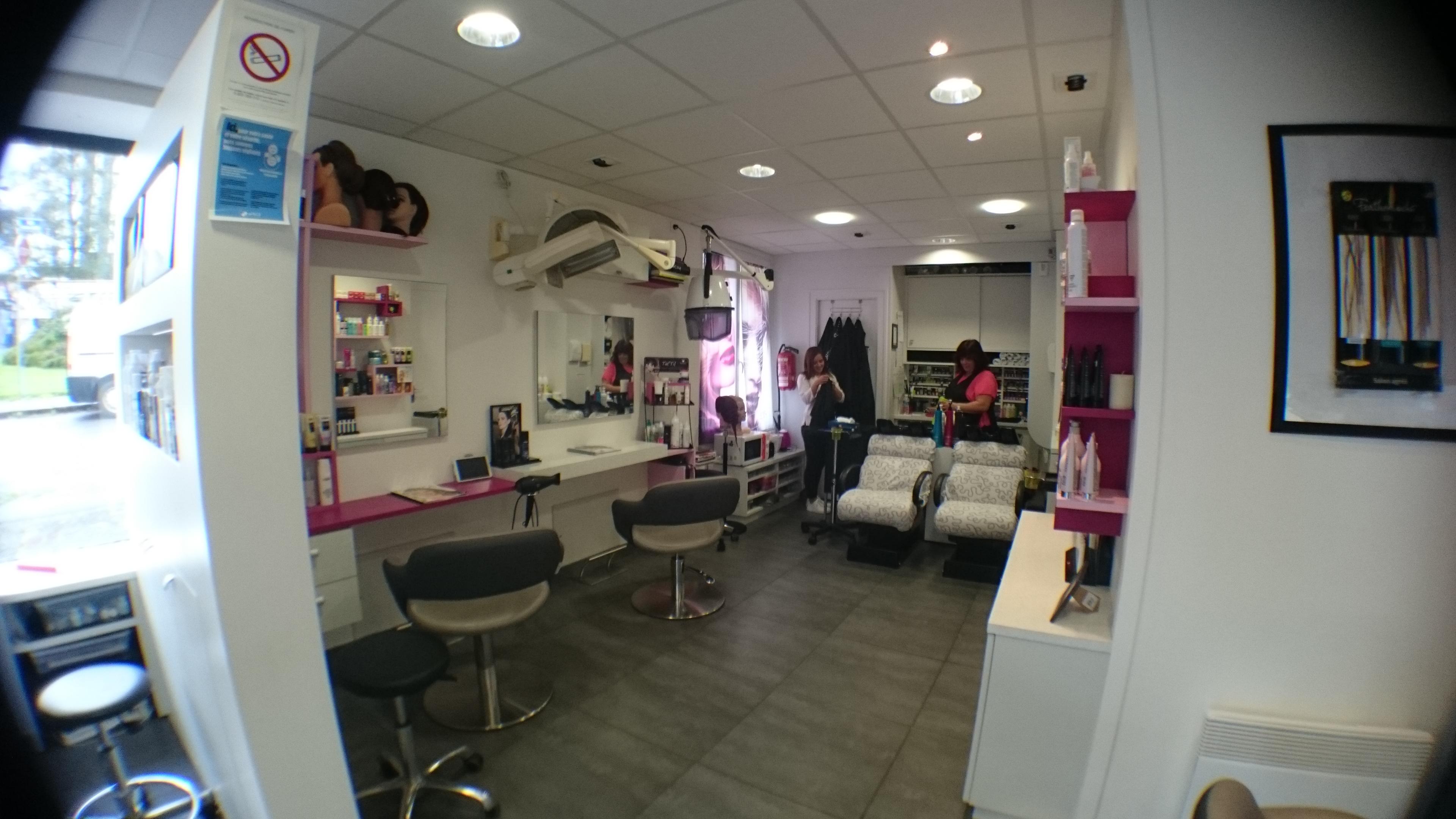 Quel nom pour mon salon de coiffure coiffures modernes et coupes de cheveux populaires en france for Quel couleur pour mon salon
