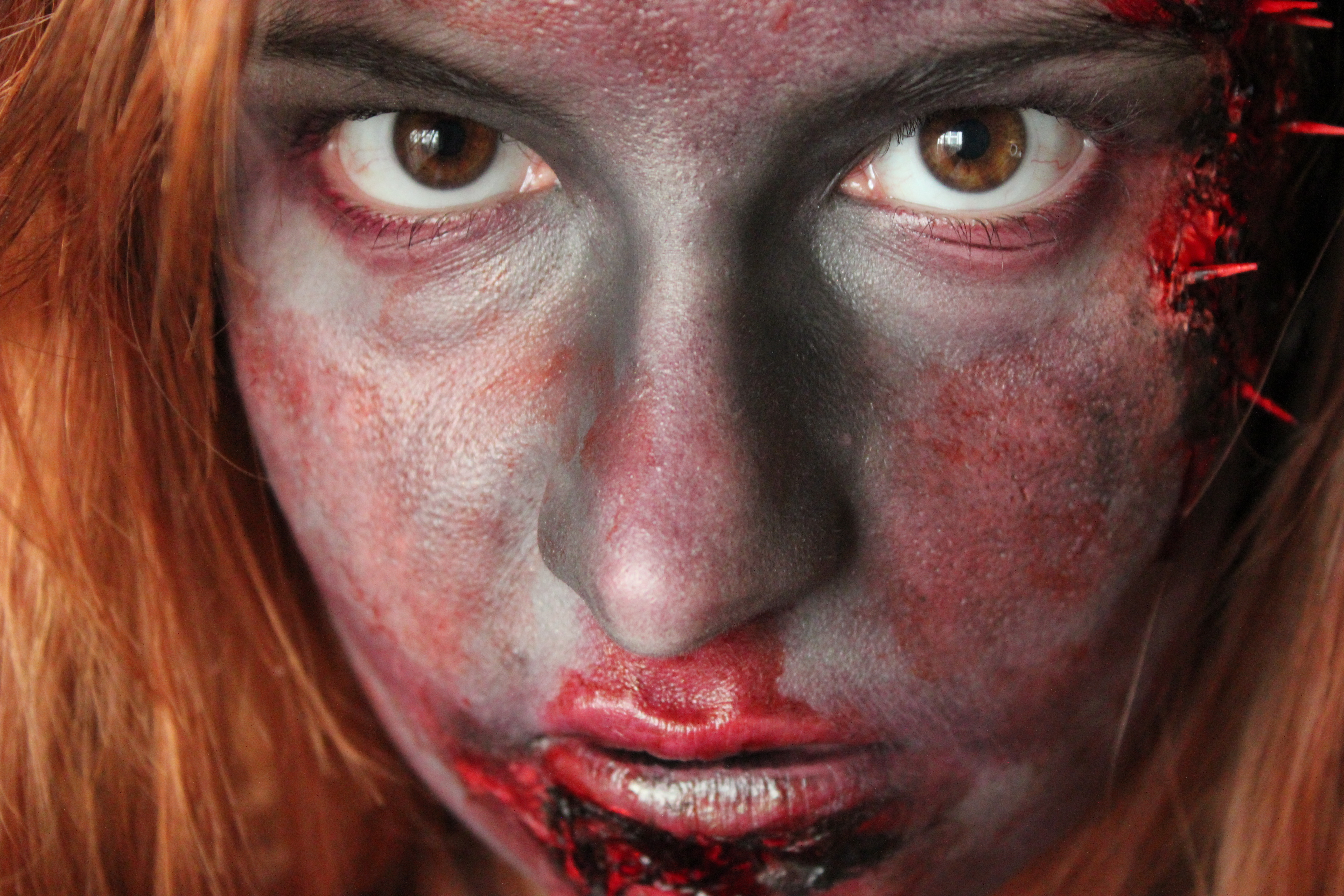 maquillage zombie fausse peau