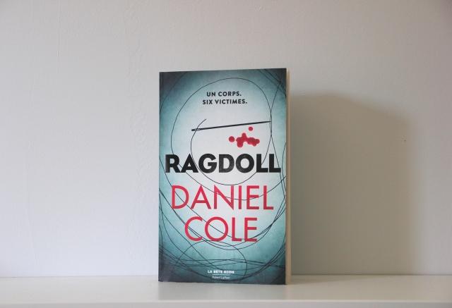 ragdoll-daniel-cole-livre-lecture