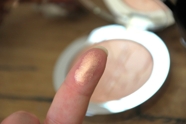 enlumineur-dior-swatch-2